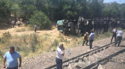 ЧП с поездом в Шу: пострадали также жители Шахтинска