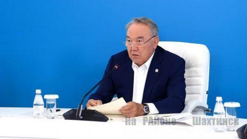 С Днем шахтера поздравил казахстанцев Назарбаев