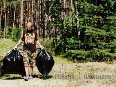 Сергей Боярский каждую неделю вывозит мусор из леса