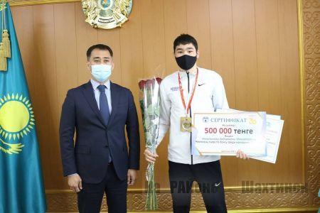 Аким города встретился с нашим земляком, чемпионом мира Сабиржаном Аккалыковым