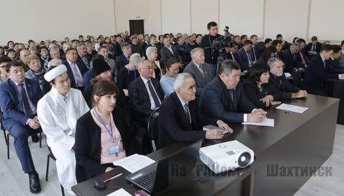 Жители Шахтинска пожаловались Ерлану Кошанову на нехватку врачей