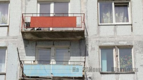 Подросток упал с балкона пятого этажа