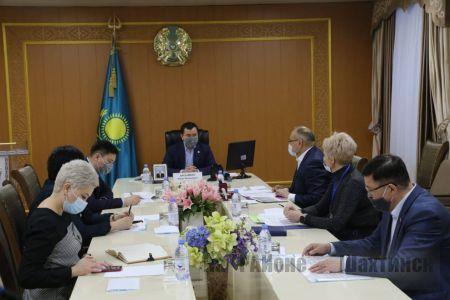 Аким области провел выездное совещание в Шахтинске