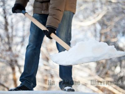 ЧСники советуют не лениться, а поработать лопатой