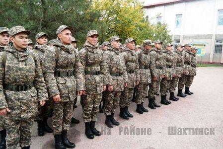 В Казахстане приостановили весенний призыв на военную службу