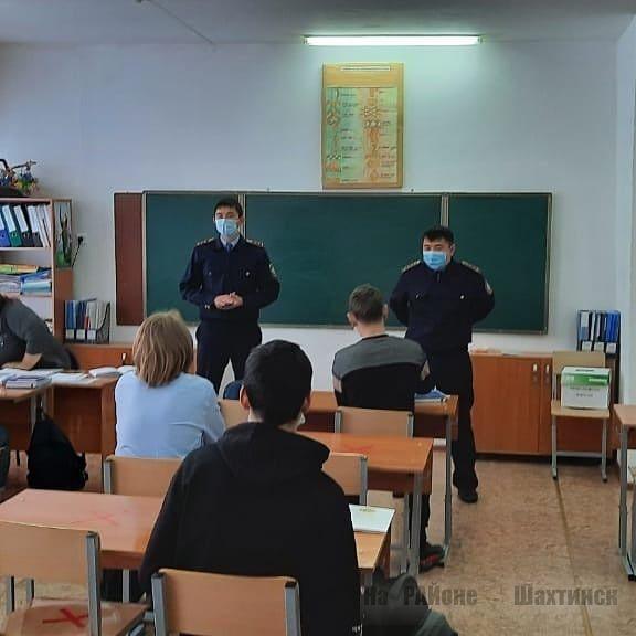 police_shakhtinsk_1060227_418790009414527_5455025599376_n.jpg (38.12 Kb)